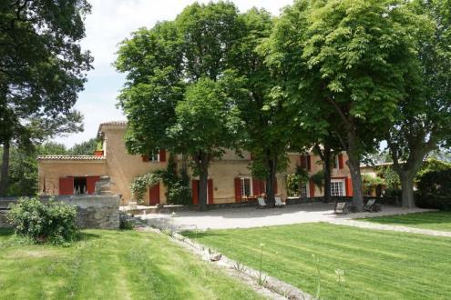 Поместье класса люкс на продажу  Экс-Ан-Прованс, 860 м², 10 Спальни, 5500000€