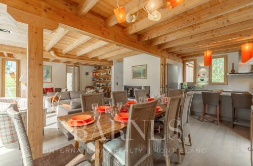 Luxury Chalet for rent CHAMONIX MONT BLANC, 1 m², 6 Bedrooms,