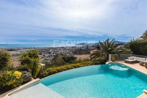 Luxe Villa te koop MANDELIEU LA NAPOULE, 300 m², 7 Slaapkamers, 1890000€