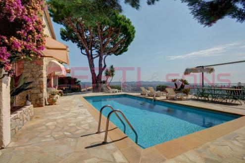 Luxury House for sale MANDELIEU LA NAPOULE, 215 m², 4 Bedrooms, €1090000