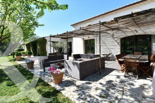 Maison de luxe à vendre EYGALIERES, 376 m², 4 Chambres, 2400000€
