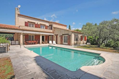 Villa de luxe à vendre ROQUEFORT LES PINS, 289 m², 7 Chambres, 1100000€