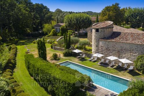 Farm de luxe à vendre GOULT, 600 m², 9 Chambres, 3450000€
