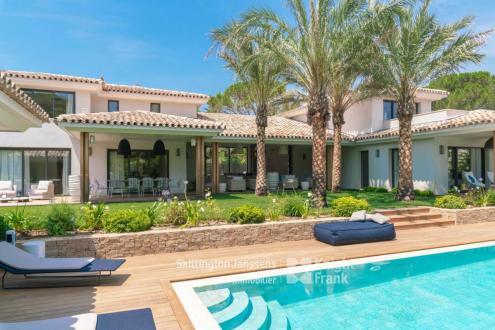 Вилла класса люкс на продажу  Сен-Тропе, 474 м², 6 Спальни, 11700000€