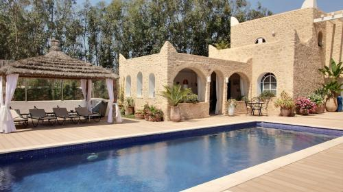 Maison de luxe à vendre ESSAOUIRA, 380 m², 5 Chambres, 520000€