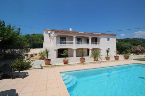 Casa di lusso in vendita SANARY SUR MER, 270 m², 6 Camere, 1035000€