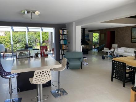 Maison de luxe à vendre VILLENEUVE LES AVIGNON, 195 m², 3 Chambres, 685000€