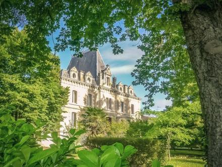 Luxus-Schloss / Herrenhaus zu verkaufen BERGERAC, 600 m², 16 Schlafzimmer, 997500€