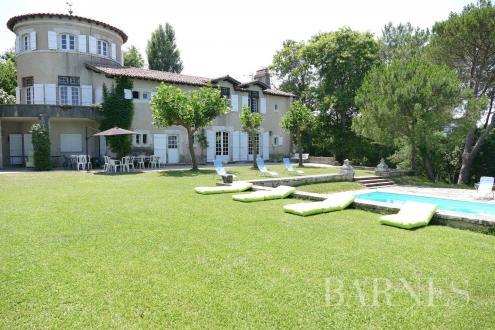 Дом класса люкс на продажу  Сибур, 260 м², 7 Спальни, 2760000€
