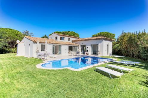 Вилла класса люкс на продажу  Сен-Тропе, 250 м², 4 Спальни, 4250000€