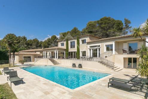 Maison de luxe à vendre LE ROURET, 600 m², 7 Chambres, 2990000€