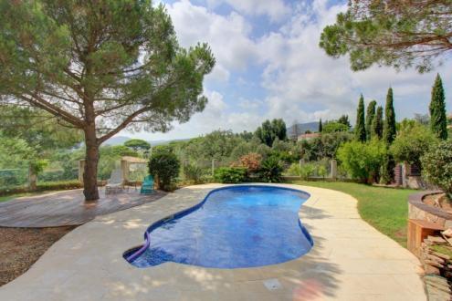 Maison de luxe à vendre LES ISSAMBRES, 205 m², 3 Chambres, 765000€