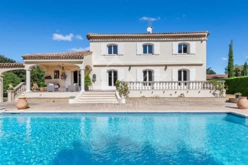 Дом класса люкс на продажу  Экс-Ан-Прованс, 250 м², 5 Спальни, 1490000€