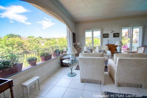Villa di lusso in vendita VILLENEUVE LOUBET, 300 m², 5 Camere, 980000€