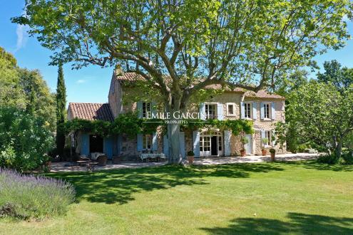 Maison de luxe à louer SAINT REMY DE PROVENCE, 360 m², 5 Chambres,