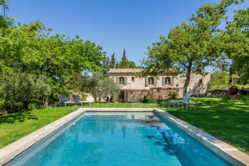 Luxe Farm te koop LACOSTE, 193 m², 5 Slaapkamers, 1495000€
