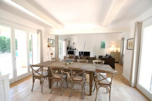 Casa di lusso in vendita SAINT RAPHAEL, 145 m², 4 Camere, 749000€