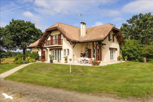 Maison de luxe à vendre SOUSTONS, 296 m², 7 Chambres, 627000€