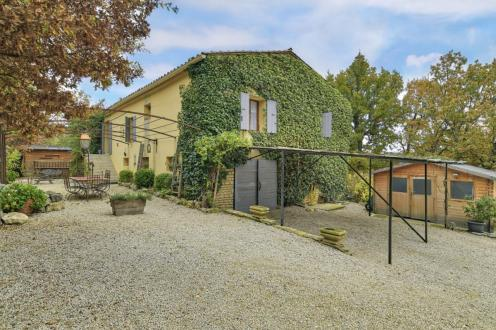 Farm класса люкс на продажу  Мюр, 230 м², 6 Спальни, 590000€