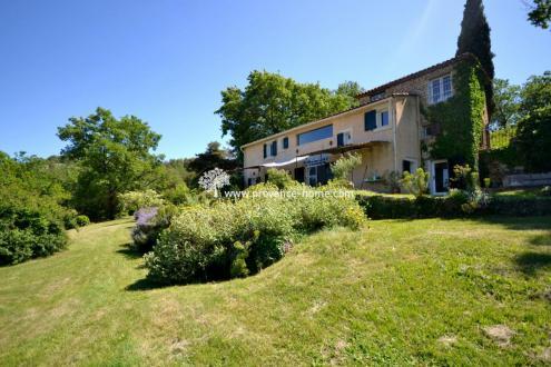 Proprietà di lusso in vendita BONNIEUX, 238 m², 5 Camere, 1395000€