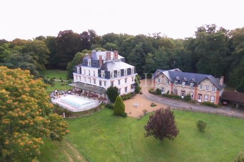 Château / Manoir de luxe à vendre LE MANS, 800 m², 13 Chambres, 1640000€
