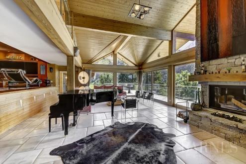 Luxus-Chalet zu verkaufen LA CLUSAZ, 385 m², 5 Schlafzimmer, 3685000€