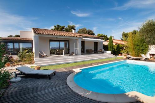Maison de luxe à vendre EYRAGUES, 155 m², 3 Chambres, 672500€