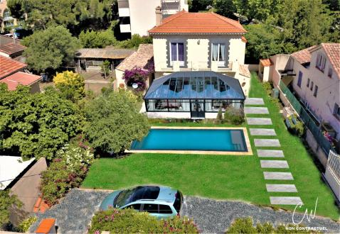 Villa di lusso in vendita FREJUS, 120 m², 4 Camere, 568500€
