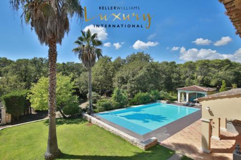 Maison de luxe à vendre VALBONNE, 320 m², 4 Chambres, 2200000€