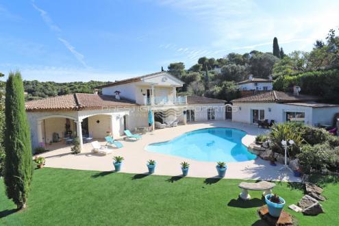 Luxus-Villa zu verkaufen MOUGINS, 250 m², 5 Schlafzimmer, 1275000€