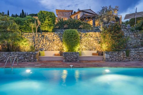 Luxury House for rent MOUGINS, 300 m², 6 Bedrooms,