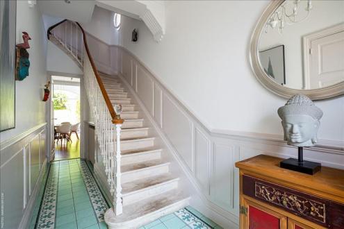 Дом класса люкс на продажу  Бордо, 172 м², 4 Спальни, 849900€
