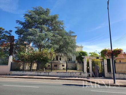 Villa di lusso in vendita LE COTEAU, 323 m², 520000€