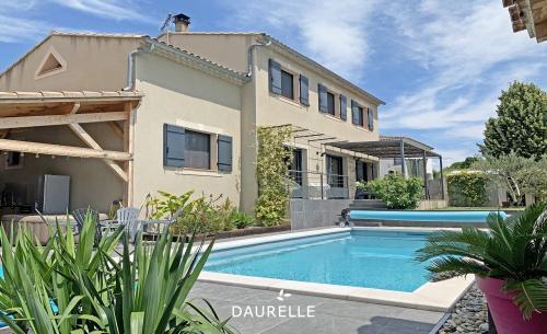 Villa de luxe à vendre EYRAGUES, 162 m², 5 Chambres, 548000€