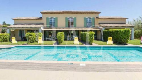 Поместье класса люкс на продажу  Сен-Тропе, 570 м², 16 Спальни, 6900000€