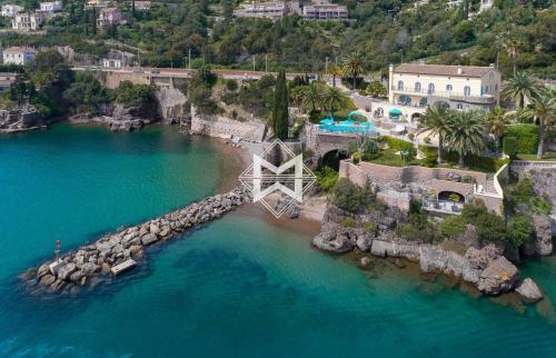 Proprietà di lusso in vendita THEOULE SUR MER, 600 m², 7 Camere, 14000000€