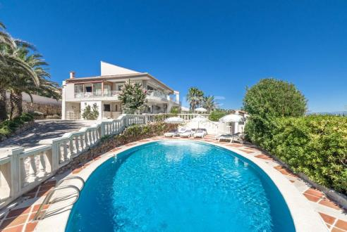 Luxury Villa for sale LES ISSAMBRES, 4 Bedrooms, €1800000