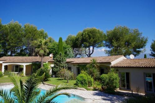 Luxury Villa for sale VALBONNE, 235 m², 5 Bedrooms, € 1 390 000