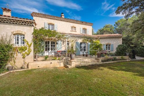 Дом класса люкс на продажу  Экс-Ан-Прованс, 180 м², 5 Спальни, 1490000€