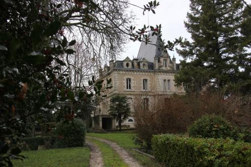 Luxus-Schloss / Herrenhaus zu verkaufen BERGERAC, 600 m², 14 Schlafzimmer, 997500€
