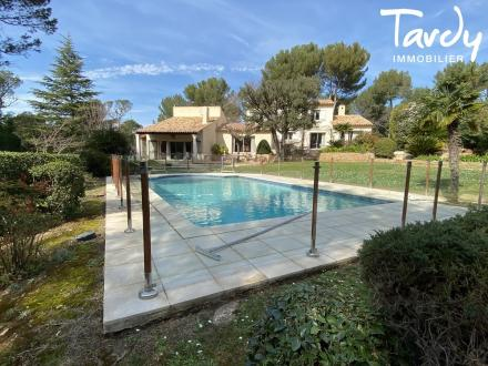 Maison de luxe à vendre MARSEILLE, 200 m², 4 Chambres, 1050000€