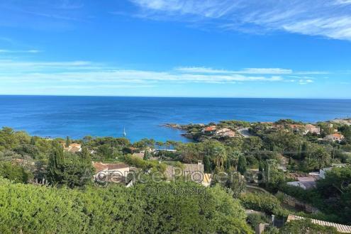 Villa de luxe à vendre LES ISSAMBRES, 125 m², 4 Chambres, 890000€