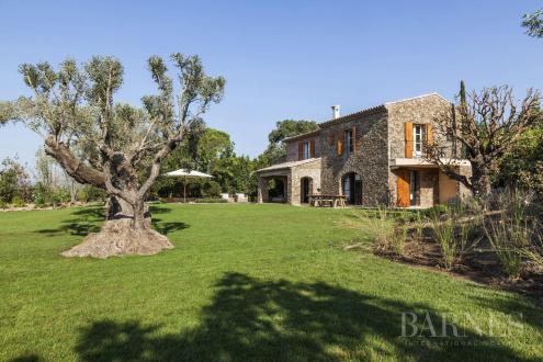 Maison de luxe à louer GASSIN, 160 m², 3 Chambres,