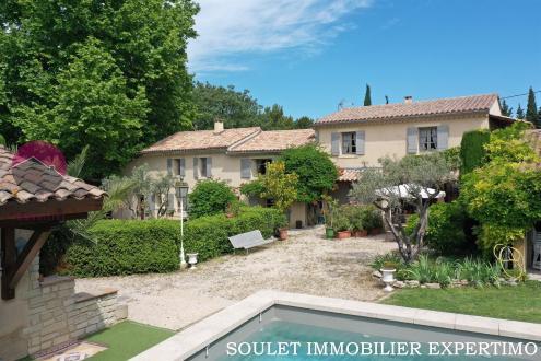 Casa di lusso in vendita PERNES LES FONTAINES, 340 m², 7 Camere, 745000€