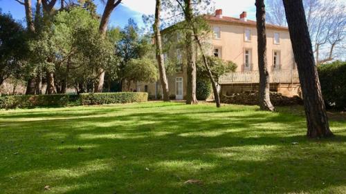 Luxus-Haus zu verkaufen SAINT AUNES, 600 m², 15 Schlafzimmer, 1265000€