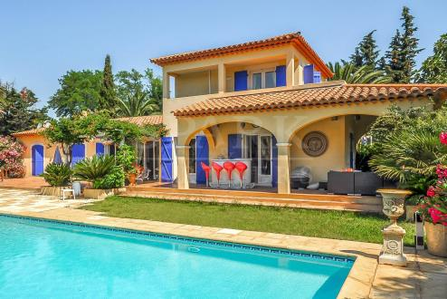 Вилла класса люкс на продажу  Раматуель, 220 м², 4 Спальни, 2840000€