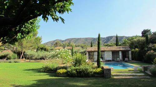 Luxury House for rent EYGALIERES, 290 m², 5 Bedrooms,