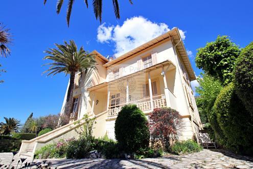Maison de luxe à vendre VENCE, 298 m², 8 Chambres, 1200000€