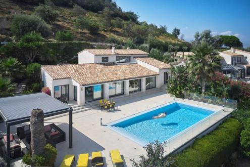 Villa de luxe à vendre MANDELIEU LA NAPOULE, 200 m², 3 Chambres, 2150000€