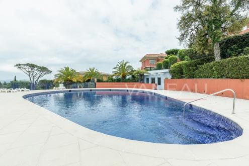 Luxus-Wohnung zu verkaufen MANDELIEU LA NAPOULE, 135 m², 3 Schlafzimmer, 750000€